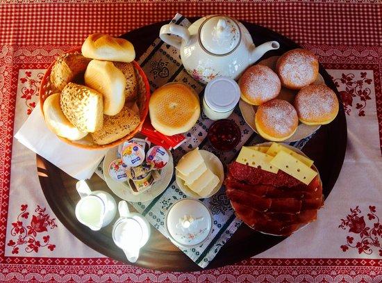 Agriturismo Sotgherdena: La colazione
