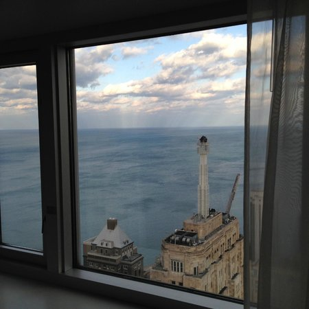 Four Seasons Hotel Chicago : Author's Suite :  view from Penthouse