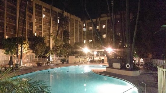 Crowne Plaza Hotel San Diego - Mission Valley: From the restaurant patio