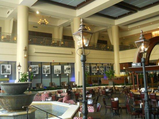Sheraton New Orleans Hotel : lobby bar
