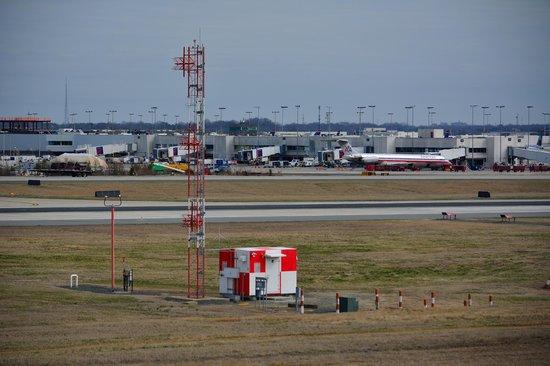 Charlotte Douglas Airport Overlook: Radio tower