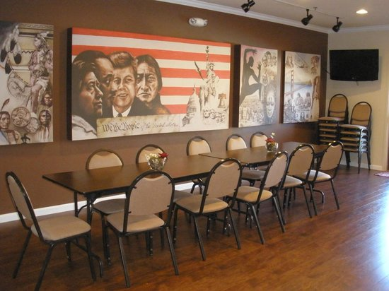 The Inn at Rolling Hills : Malachi Sanchez Meeting Room- occ. limited to 30