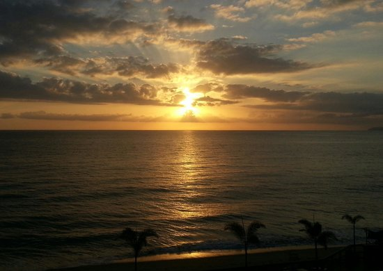 Villa Cofresi Hotel: sunset from balcony