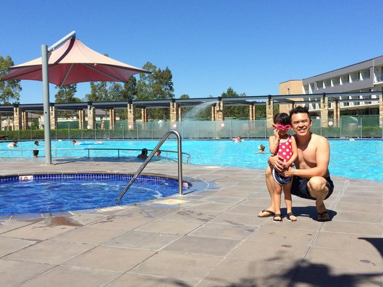 Crowne Plaza Hunter Valley: The beautiful pool