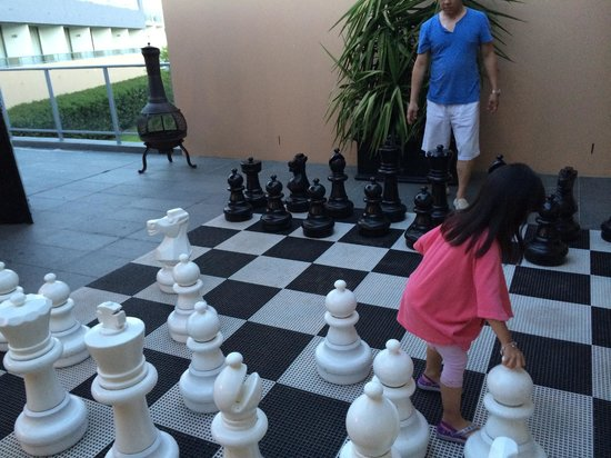 Crowne Plaza Hunter Valley: Care for a game of chess outdoors?