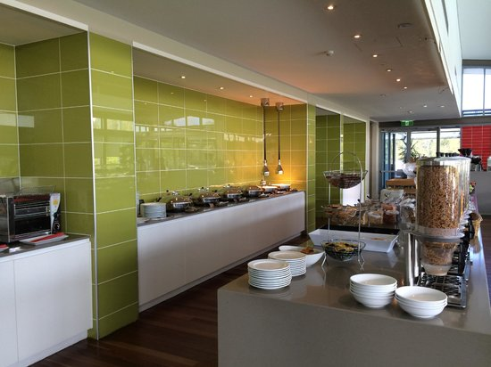 Crowne Plaza Hunter Valley: Buffet breakfast area
