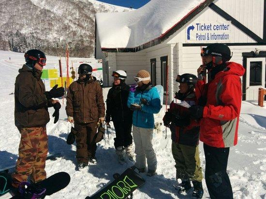 Snowlines Lodge Hakuba: Lodge excursion to Cortina
