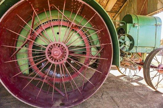The Henry Parkes Centre: Pioneer Park Antique Machinery
