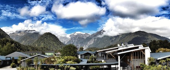 Scenic Hotel Franz Josef Glacier Hotel: View from our balcony room