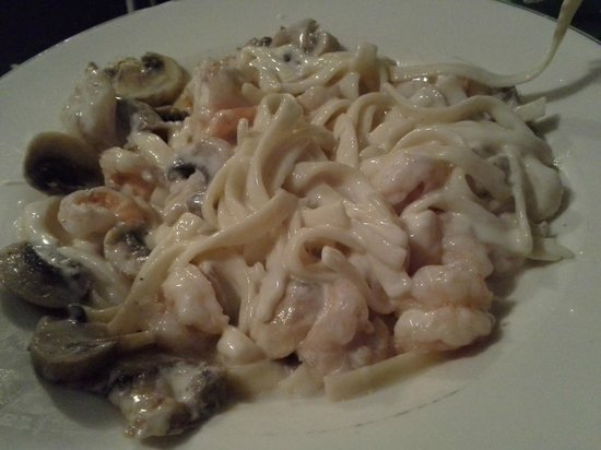 Parsons Seafood : Seafood Alfredo. More than enough for two hungry people!