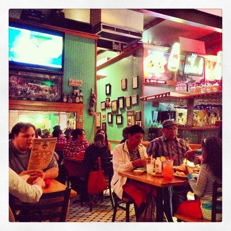 El Gato Negro Mexican Restaurant: Interior
