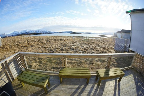 Sommaroy Arctic Hotel Tromso: View of beach and islands from the Beach house