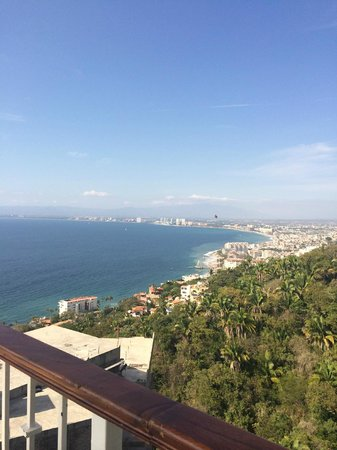 Grand Miramar All Luxury Suites & Residences: w from the Sky restaurant