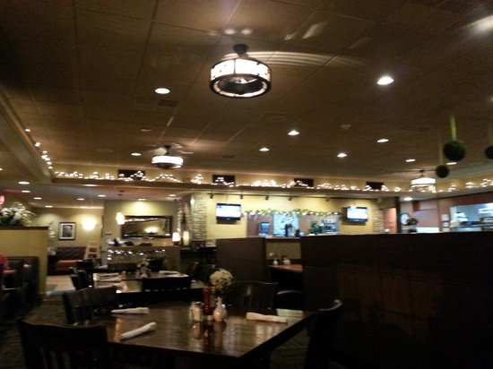 Momma Spriggs Restaurant: the dining area