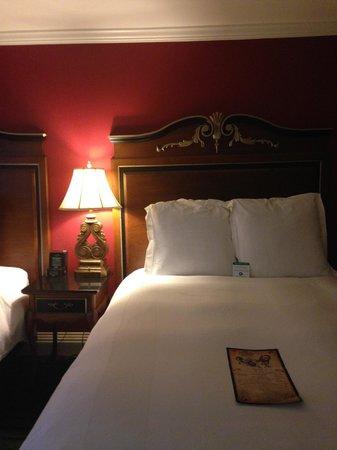 Bourbon Orleans Hotel: Beds