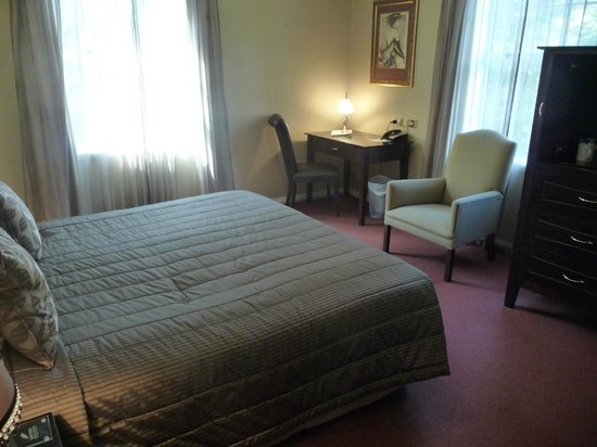 Chateau Tongariro Hotel : The room