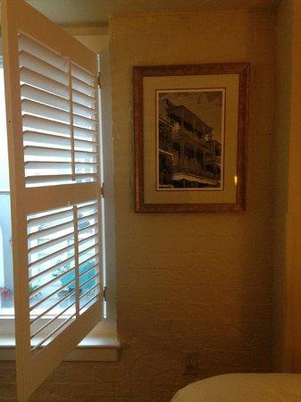 Bourbon Orleans Hotel: Window Shutter