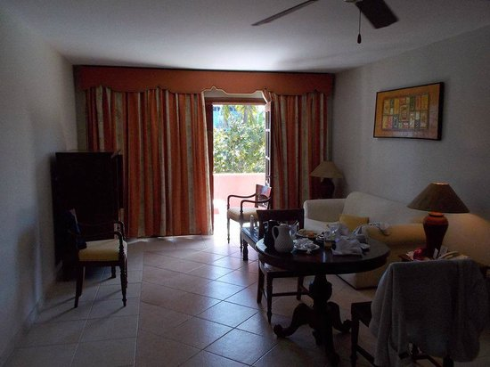 Caribe Club Princess Beach Resort & Spa : living area, downstairs of royal suite