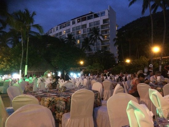 Hyatt Ziva Puerto Vallarta: dining