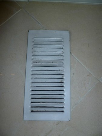 Hotel Exe El Coloso : Hotel El Coloso, Bathroom air vent