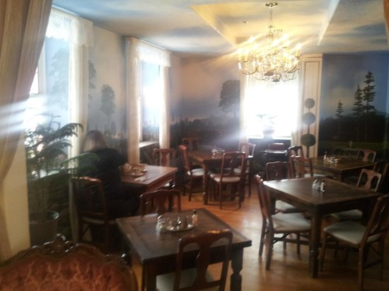 The Roosevelt Inn: The comfortable and pleasant dining room