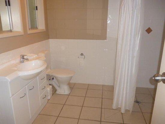 Best Western Braeside Rotorua : Wet room bathroom was massive
