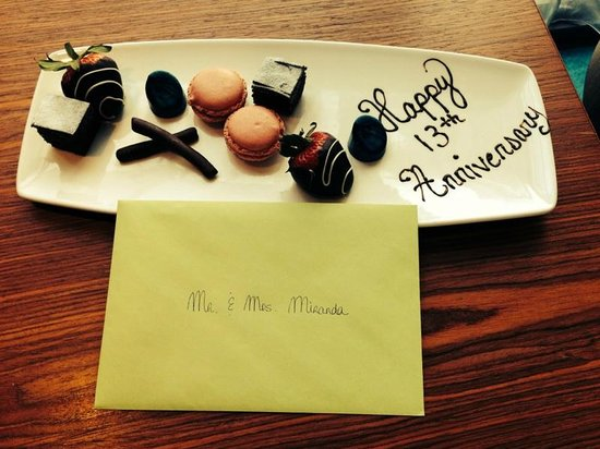 Radisson Blu Aqua Hotel: Excellent touch by the staff for are anniversary