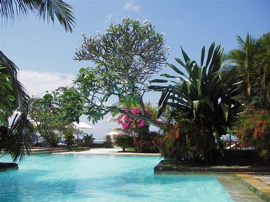 Peninsula Beach Resort Tanjung Benoa: Fave spot by the pool