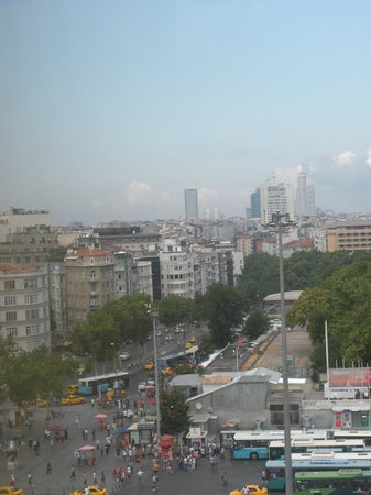 Taksim Select Hotel: view from opposite side of dining room