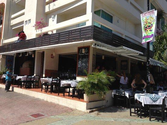 Il Baretto Italian Restaurant: Corner frontage of Il Baretto