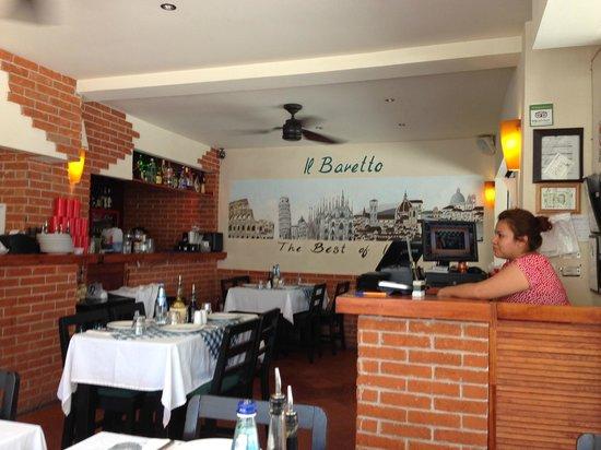 Il Baretto Italian Restaurant: Inside Il Baretto
