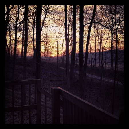 Valley View Cabins: Sunset from the Lincoln porch