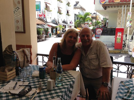 Il Baretto Italian Restaurant: Enjoying lunch