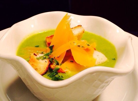 Seagrass Restaurant : Broccoli soup with Parmesan shavings