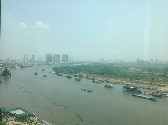 Renaissance Riverside Hotel Saigon: view from 18 floor while checking in