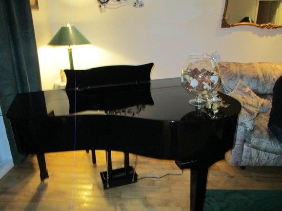 Cote St-Hermas Gite au vignoble : Piano