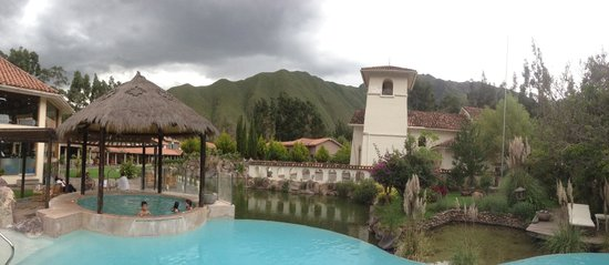 Aranwa Sacred Valley Hotel & Wellness : central area/pool