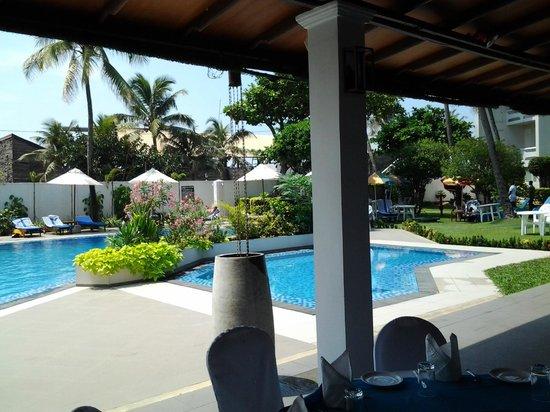 Berjaya Hotel Colombo: swimming pool