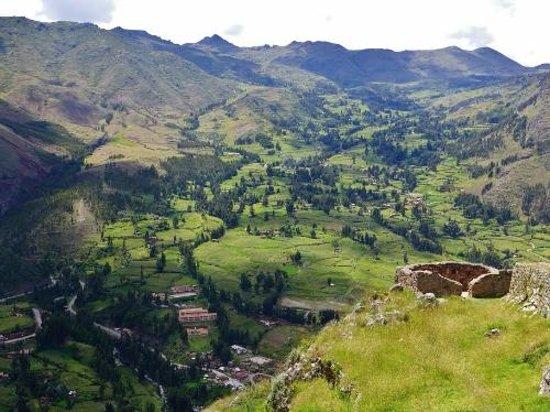 Pisac: Across the valley
