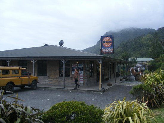 Punakaiki Tavern & Motel: The Tavern