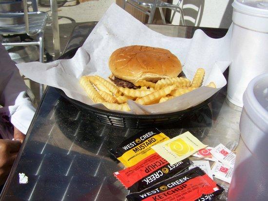Mr. Hamburger: Yumm Yumm