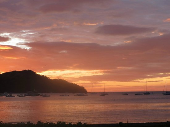 Papagayo Gulf Sport Fishing - North Pacific Tours: Another Beautiful Sunset in the Papagayo Gulf