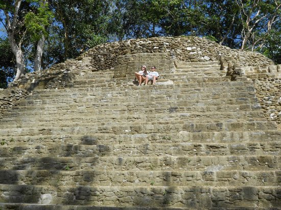 Ian Anderson's Caves Branch Jungle Lodge: Mayan ruins