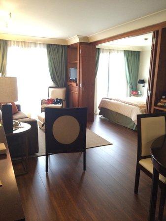George V Alto de Pinheiros Hotel: Sala e quarto