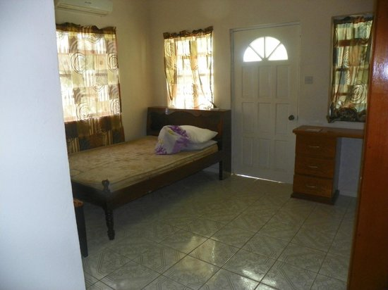 Gekko Lodge : Larger bedroom with private balcony