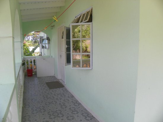 Gekko Lodge: front porch