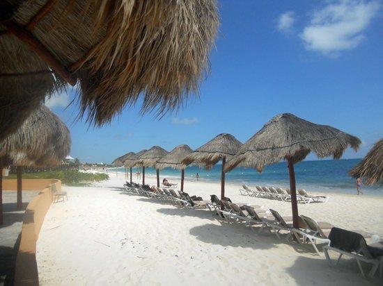 Now Sapphire Riviera Cancun : Hotel beach