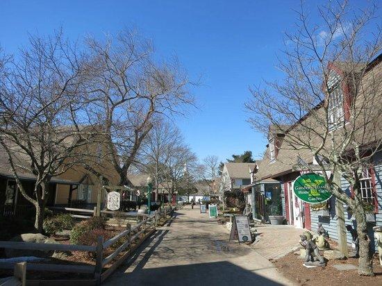 Olde Mistick Village: 人が少なくて活気がない