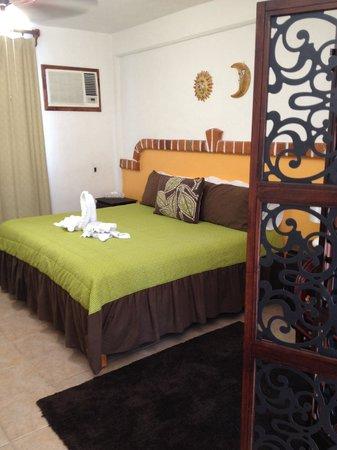 Suites Fenicia: Room