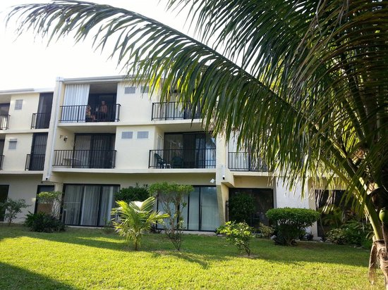 Coral Beach Hotel and Condos : Coral beach condo